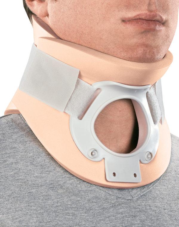 Collare Cervicale Bivalva con Foro Tracheale
